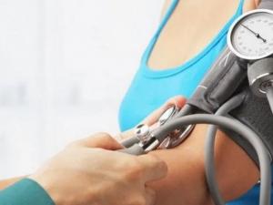 Медики рассказали, что делать в молодости, чтобы в будущем не столкнуться с гипертонией
