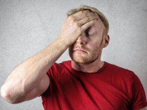 Привычные продукты, которые могут вызвать очень сильную головную боль