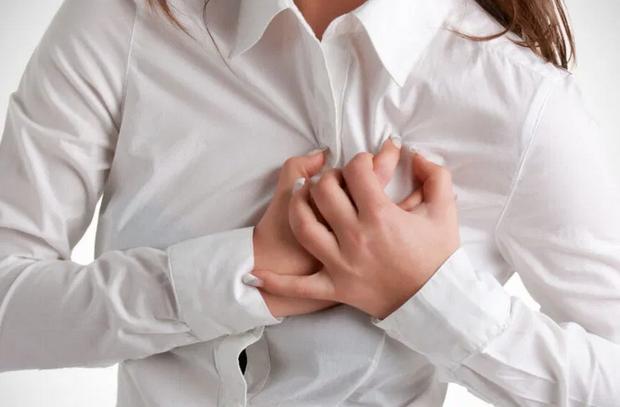 Кислый привкус во рту назвали симптомом инфаркта