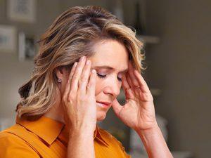 Медики: терпеть головную боль не стоит, впрочем, как и бояться лекарств