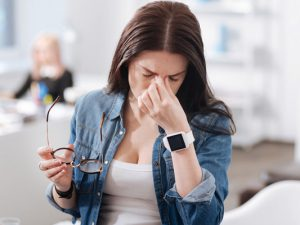 Как справиться с головной болью при метеозависимости