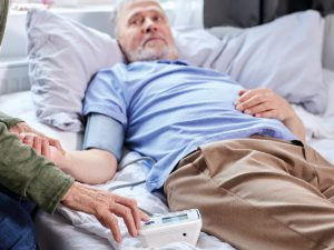 Ученые рассказали, как распознать риск деменции у мужчины