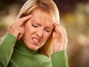 Врач назвал нестандартные причины головной боли