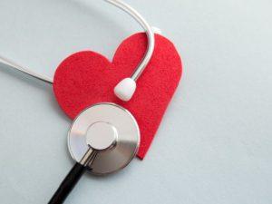 Кардиолог назвал неожиданный симптом опасных заболеваний