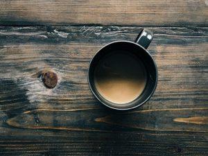 Для переживших инсульт и инфаркт полезно пить зеленый чай и кофе