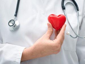 Ученые назвали снижающую риск сердечного приступа сладость