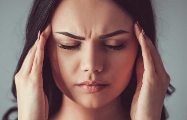 Сильная головная боль может быть предвестником смертельной болезни