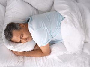 Опасно или нет для сердца спать на левом боку?
