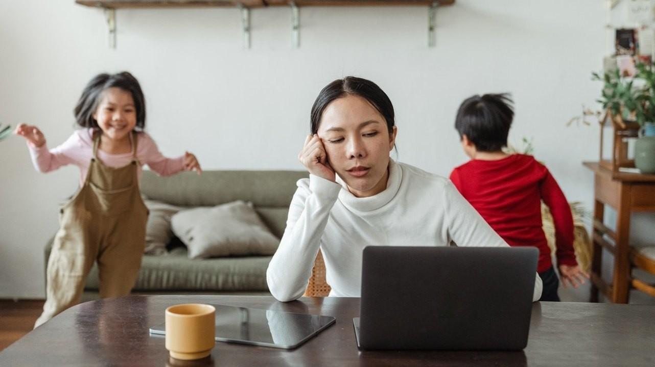 Как домашний и рабочий стресс отнимают здоровье у женского сердца