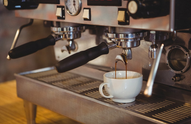 Кардиолог рассказал, для кого опасен кофе