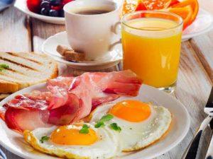 Пропуск завтрака чреват проблемами с сердцем