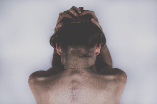 Названы главные причины головной боли во время похудения
