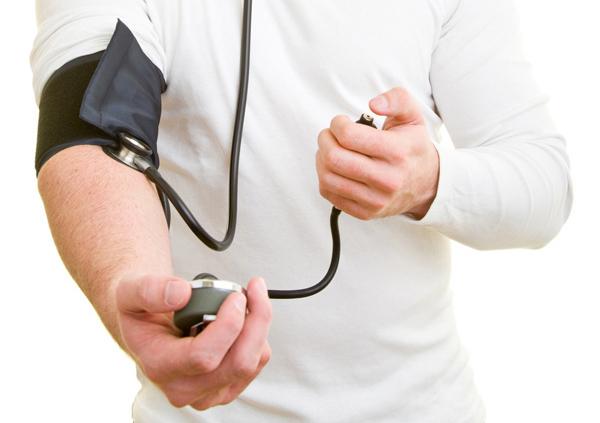 Почему важно знать свое кровяное давление и как его правильно измерить