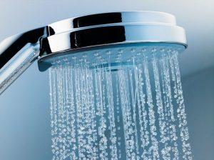 Кардиолог Беневская: некоторым людям контрастный душ грозит инсультом
