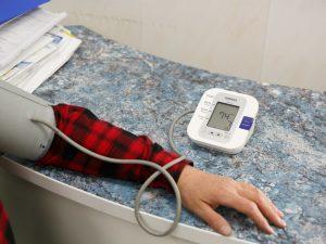При каком артериальном давлении люди живут дольше? Объясняет врач