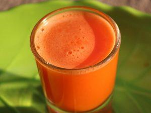 Кардиолог Гандельман назвал соки, полезные для снижения артериального давления