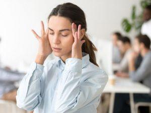 Бороться с головными болями и бессонницей можно при помощи питания