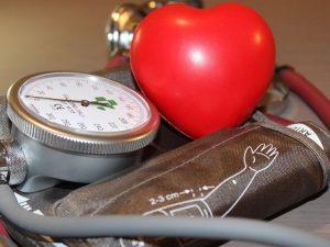 Каковы симптомы повышенного артериального давления?