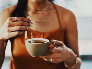 Кардиологи объяснили, почему после Covid-19 нельзя пить чай и кофе