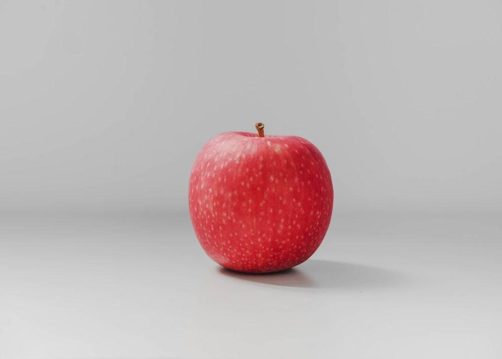 Для снижения давления нужно каждый день есть яблоки